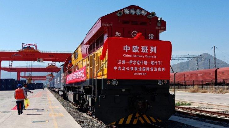 Китай открыл новый транспортный коридор в Узбекистан в обход Казахстана
